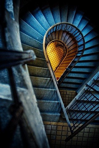 3357-spiral-staircase