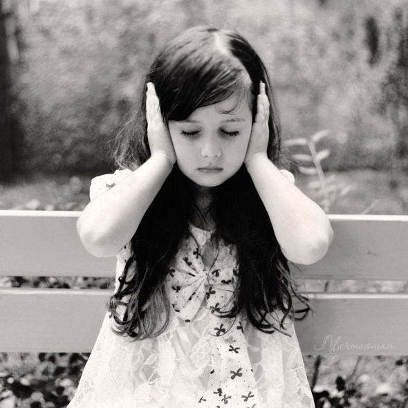 beautiful-black-and-white-child-silence-Favim.com-125905