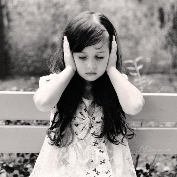 beautiful-black-and-white-child-silence-Favim.com-125905