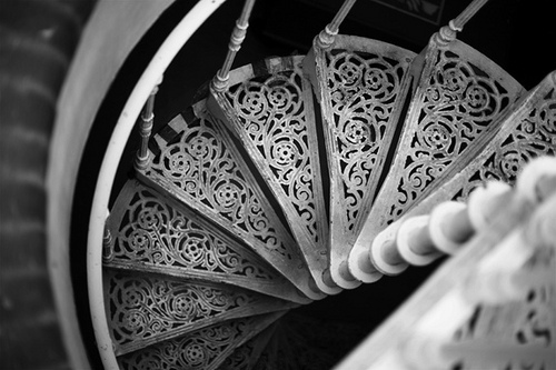 contrast-ornate-spiral-staircase-spiral-stairs-staircase-Favim.com-321482
